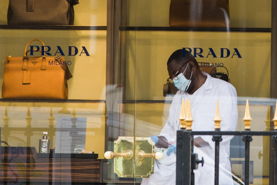 Luxury Hotels in World's Top Tourist Destination Face Gloomy Future