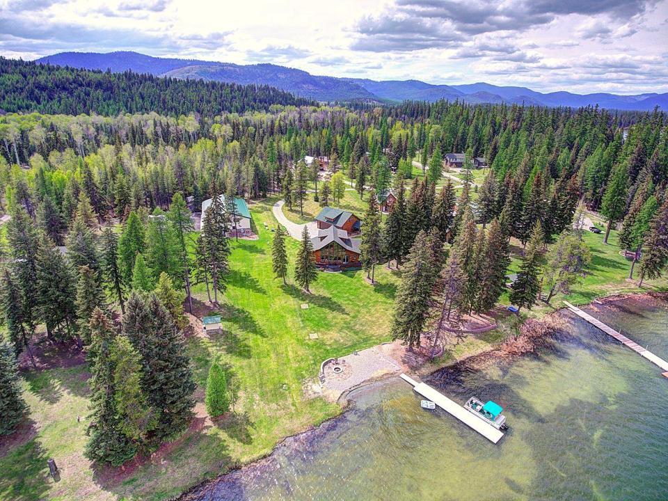 aerial view of luxury montana home at 209 Davis Creek Lane Libby, Montana, USA