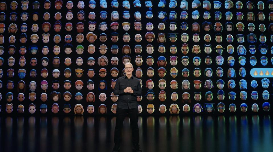 The closing moment of WWDC21.
