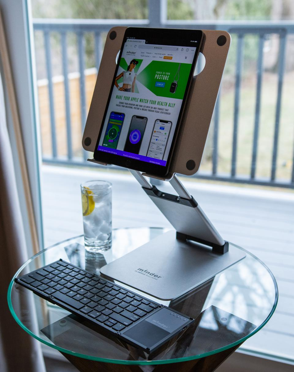 obVus Solutions Minder Laptop Tower Stand