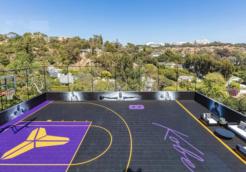 A half basketball court in Lakers colors.