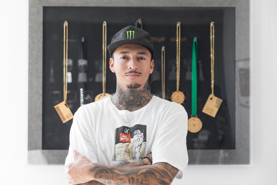 Nyjah Huston and Tony Hawk play Tony Hawk's Pro Skater 1+2 in Monster Energy Twitch series