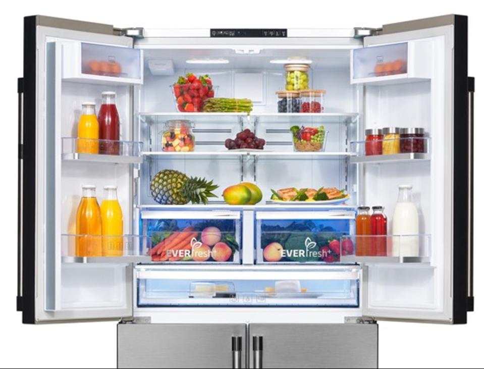 Blue light technology in refrigerator