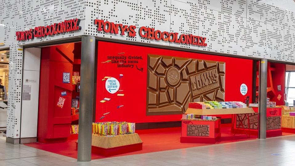 Tony's SaclAlleen winkel op Schiphol Airport in Amsterdam