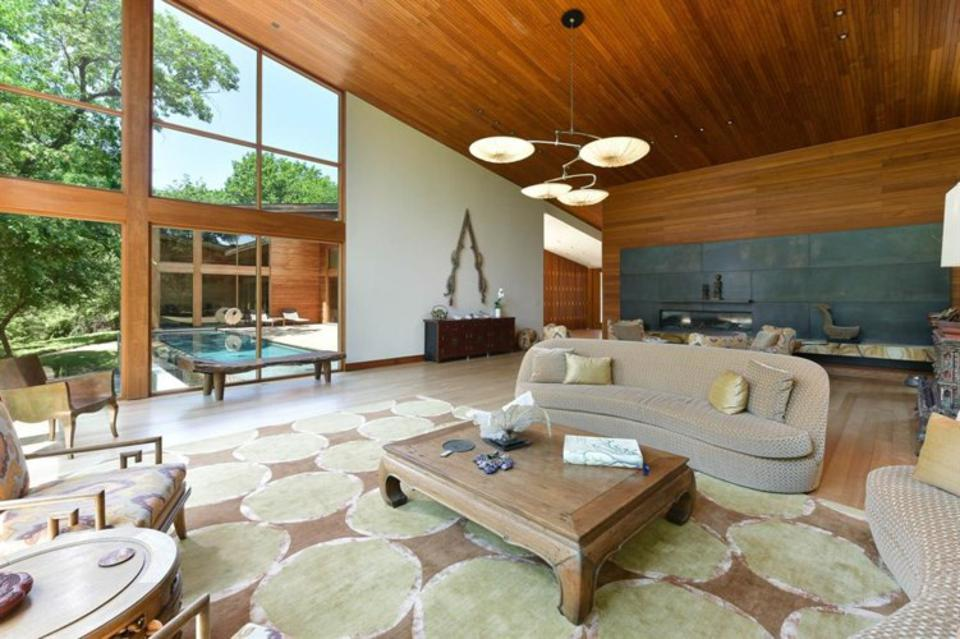 Teak ceilings and a fabulous view