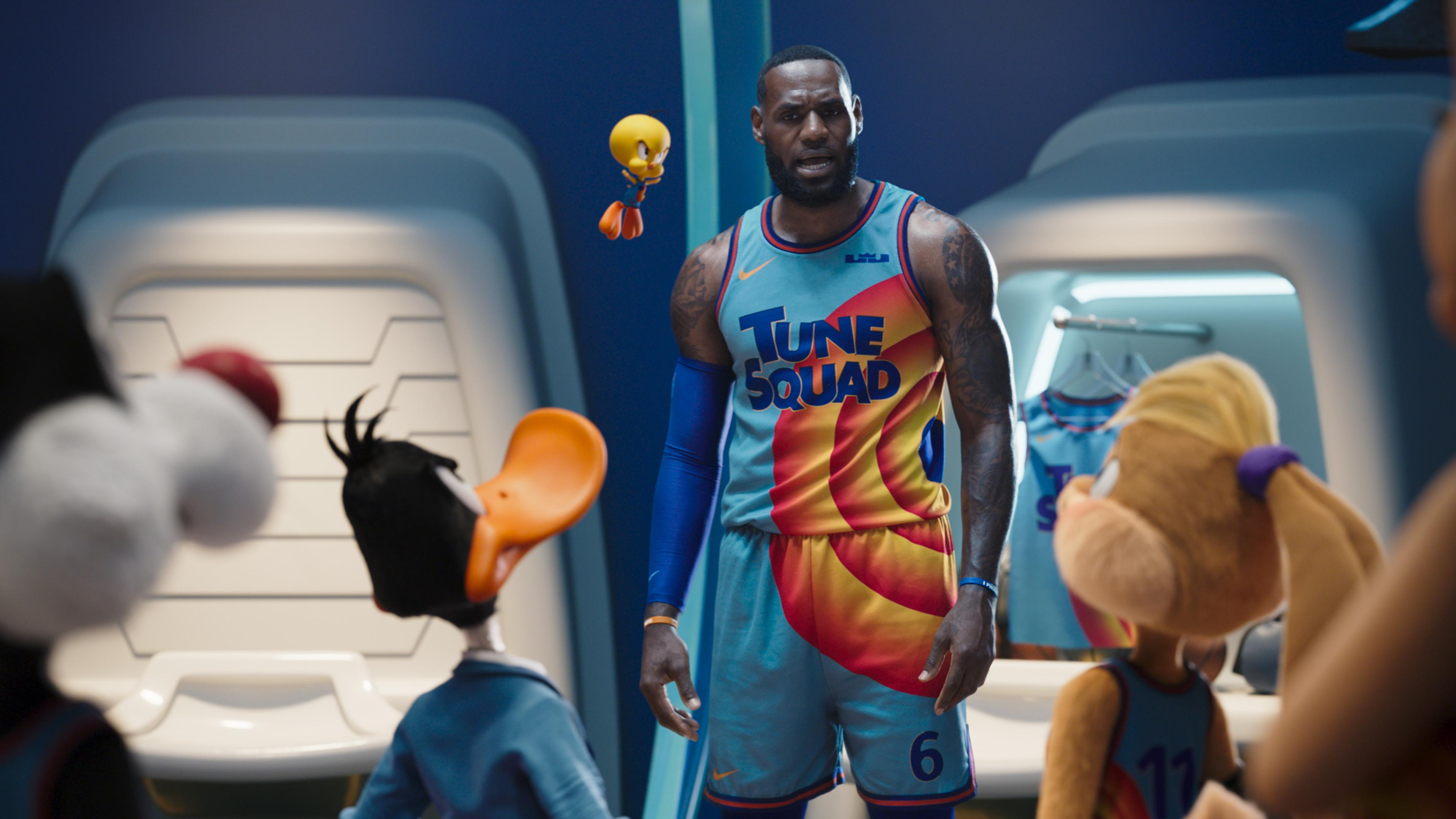 L-R Backs to Camera) SYLVESTER, DAFFY DUCK, LOLA BUNNY, (Center frame) LEBRON JAMES, and TWEETY BIRD in ″Space Jam: A New Legacy'