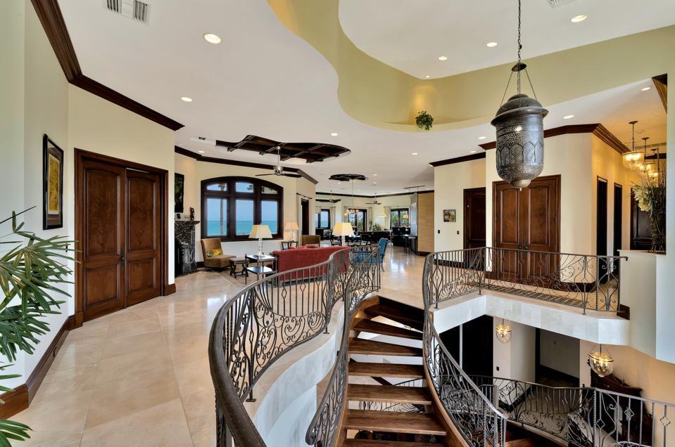 living area inside vero beach hutchinson island house dale sorensen real estate