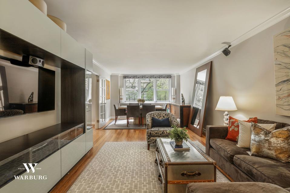 inside yorkville manhattan apartment at 215 East 80th Street, Apt 3B, New York, NY