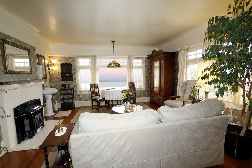 Jabberwock Inn's Borogove room, the original master bedroom of the home. Monterey, CA.