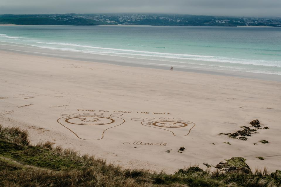 sand art on the beach is on display to g7 leaders