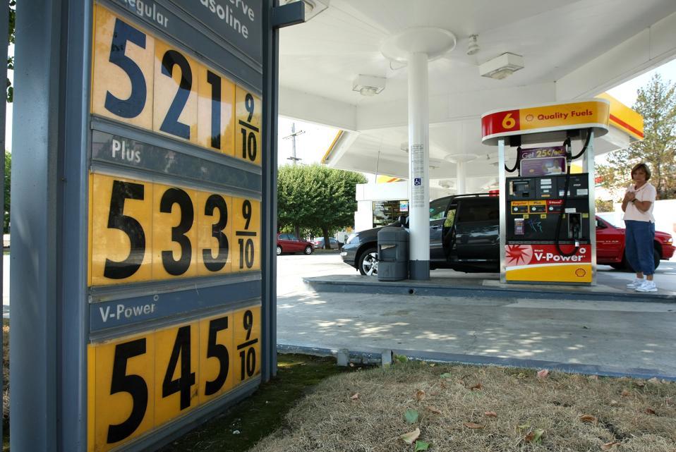 Gas Price National Average Keeps Rising, Reaches 4.10 Per Gallon