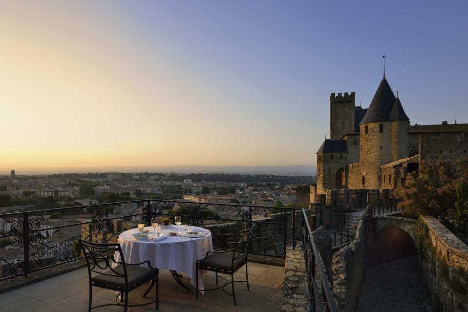 The terrace of the Hôtel de la Cité Carcassonne.