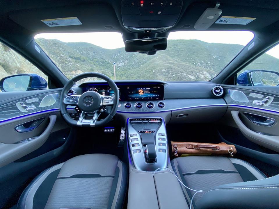 Die AMG GT Touch-Grafik ist smart, raffiniert und erwachsen.