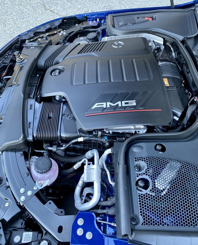 Klassisch passender 3-Liter-Turbo-Reihensechszylinder-Mild-Hybrid.