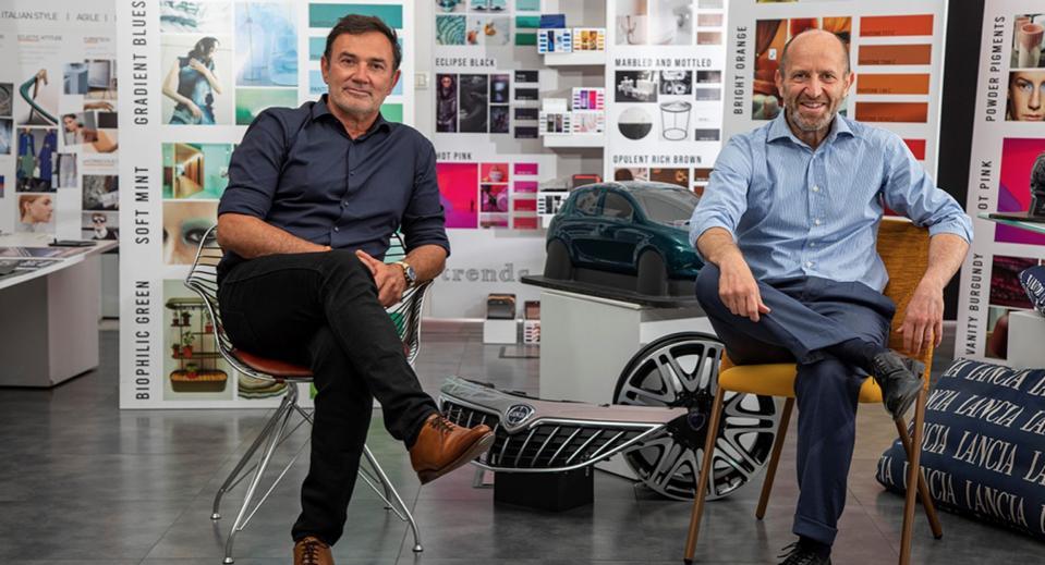 Il capo del design di Stellandis Jean-Pierre Blues (a sinistra) e Luca Napolitano cercano di salvare Lancia.