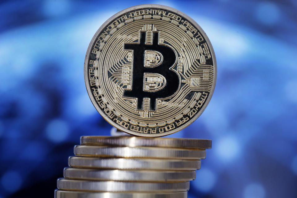 Bitcoin Breaks Through $40,000 To Reach 3-Week High