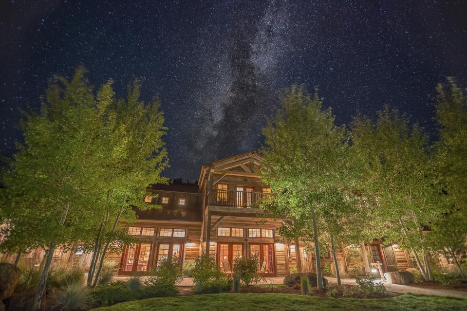 lodge under stars in Montana