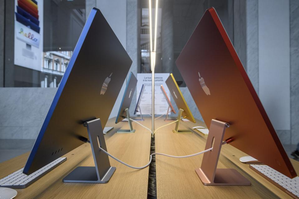 Otevření Apple Store Via Del Corso v Římě