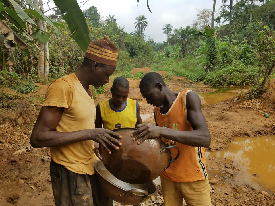 Illegal gold miners in Itagun, Nigeria.