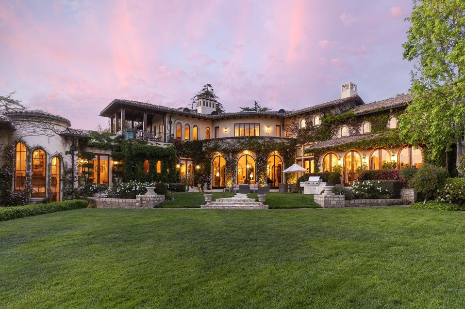 sugar ray leonard house at 1550 Amalfi Dr Pacific Palisades, CA los angeles usa