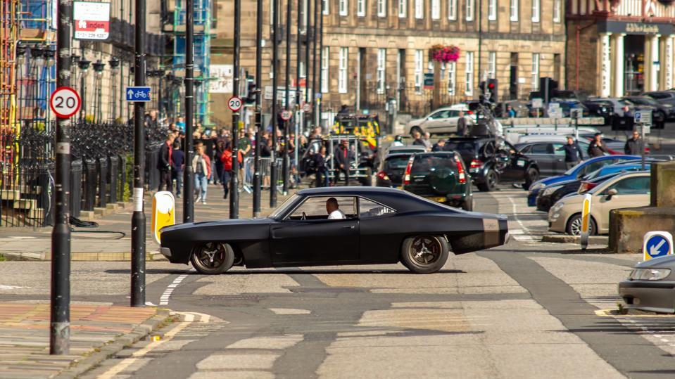 Vin Diesels Parkplatz während der Fahrt durch...