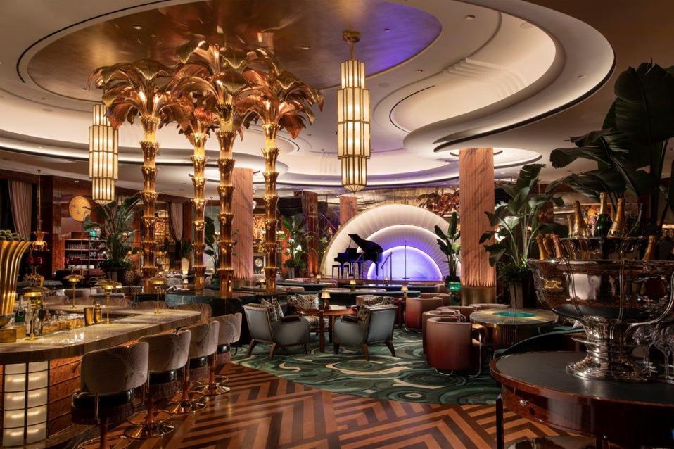 View of the main dining room and Anchor Bar at Delilah Las Vegas.
