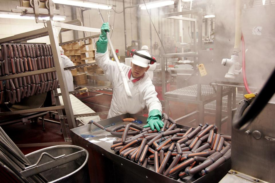 Vienna Beef Hot Dogs Get National Distribution Deal