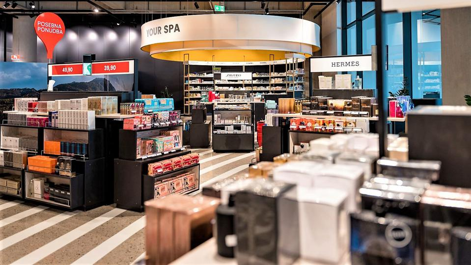 Formerly rigid, category-centered assortments have gone at Ljubljana Airport, Slovenia.