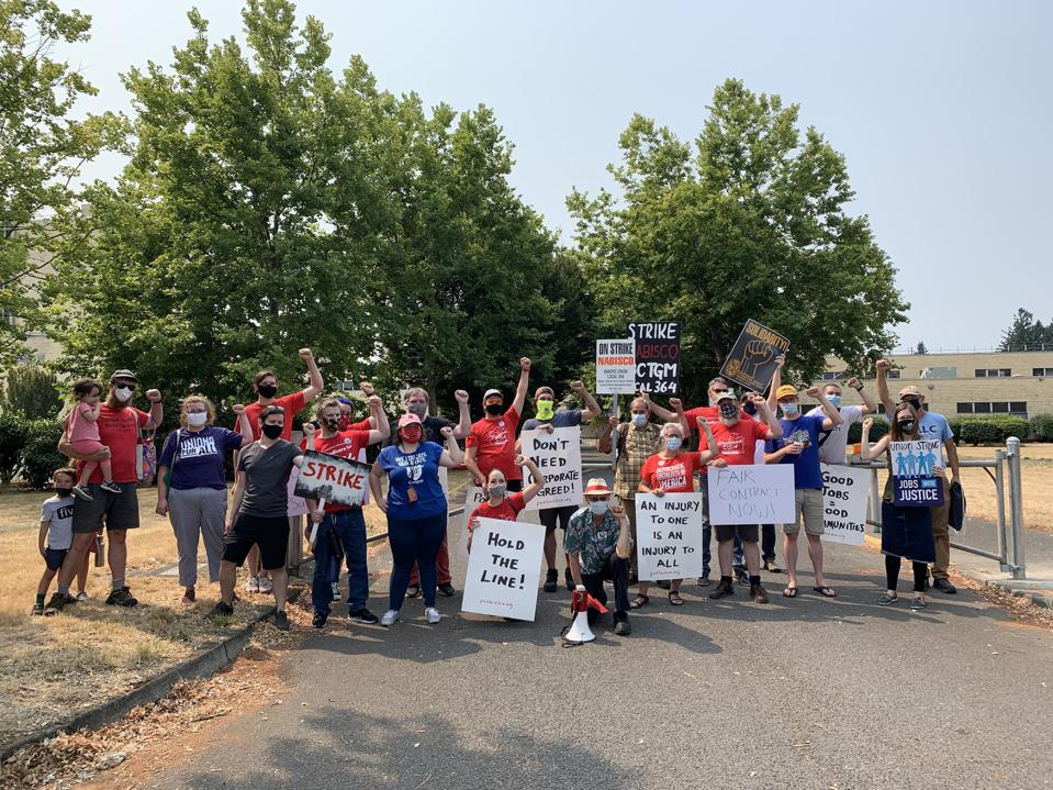 BCGTM Local 364 and supporters in Portland, Oregon.