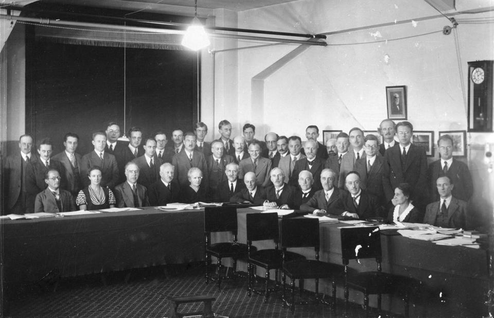 Physicists at Seventh Solvay Physics Conference