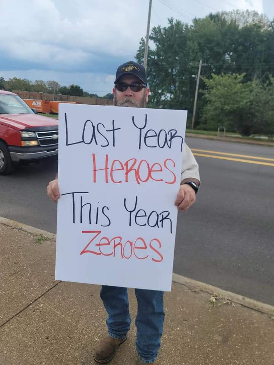 BCTGM Local 252G Member on the picket line in Memphis, Tennessee.