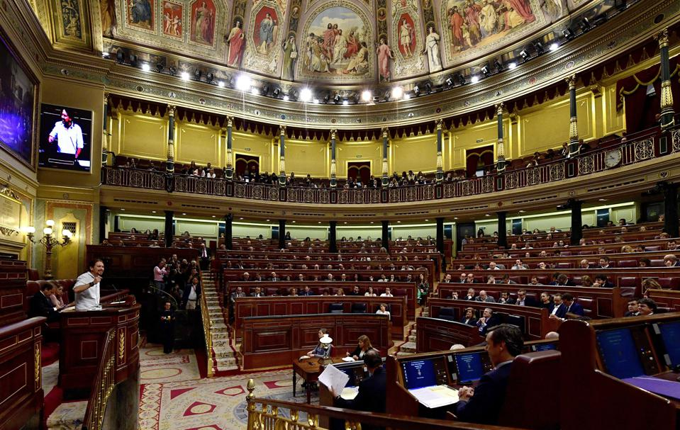 Spain Has No Government For 10 Months - Economy Grows, Unemployment Falls To 18.9%