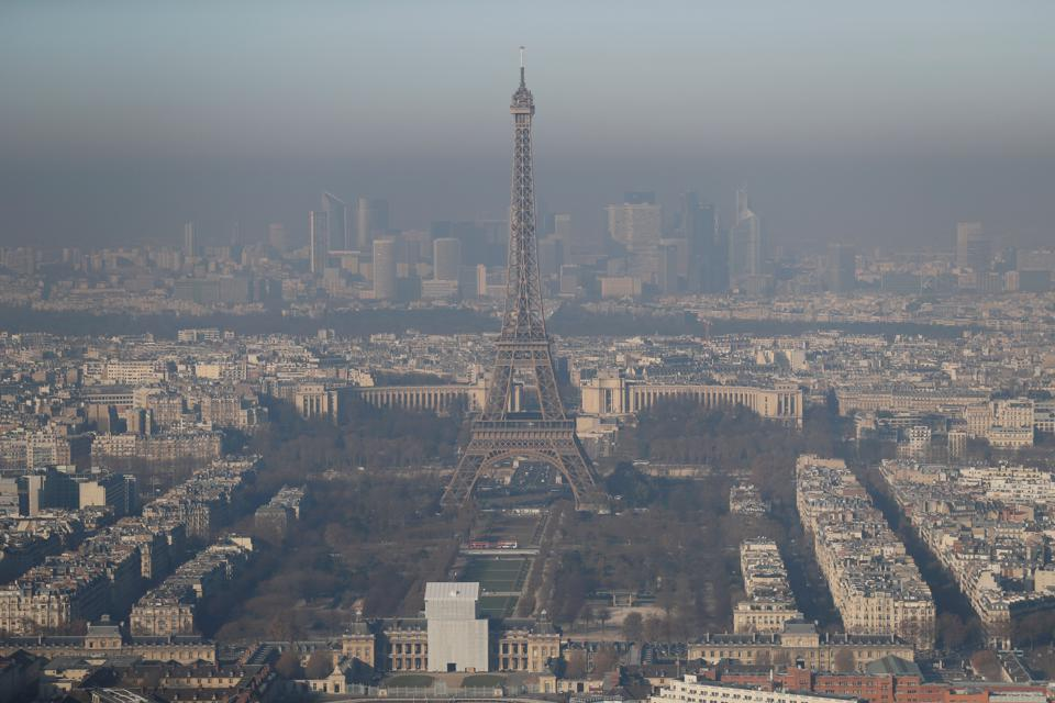 Paris Can't Breathe: Worst Pollution In A Decade Has City Gasping For Solutions