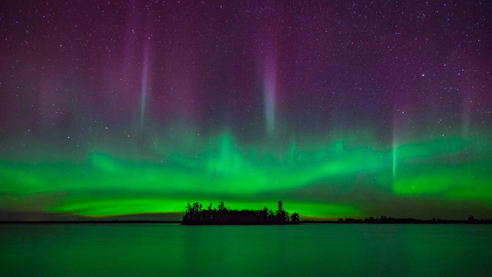 Spectacular Northern Lights Illuminate Voyageurs National Park