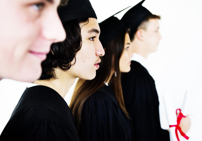 College Seniors: Do These 4 Things Before Graduating to Ensure Career Success