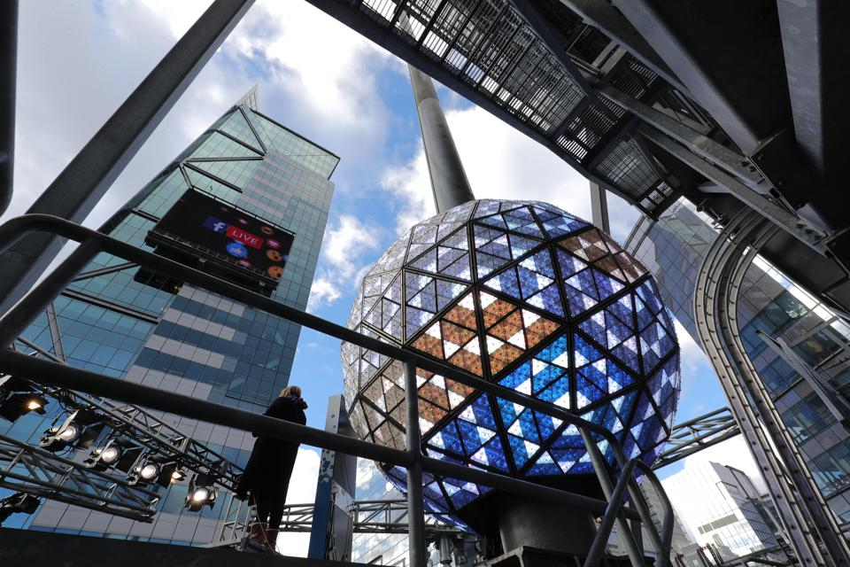Time Square crystal ball, New Years Eve, Waterford crystal, Fiskars, New Year's, holidays, celebration, manufacturing