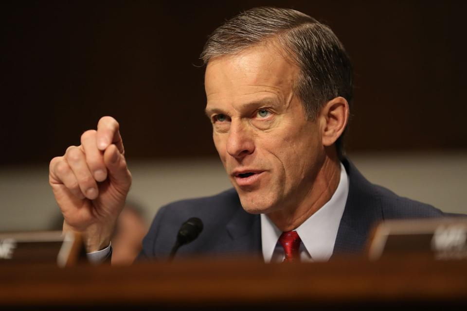 Sen. John Thune asks a question during Wilbur Ross' confirmation hearing.