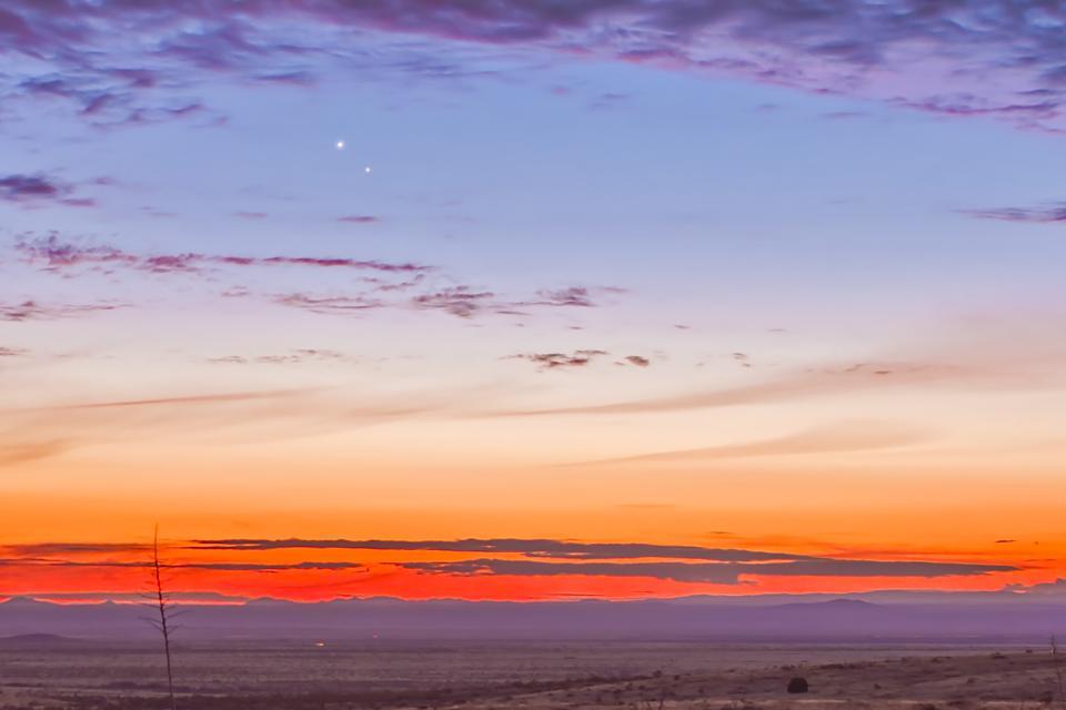 Mercury just below Venus in the desert twilight