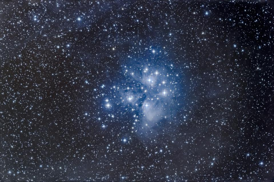 M45, the Pleiades star cluster. (Photo by: Alan Dyer /VW PICS/Universal Images Group via Getty Images)