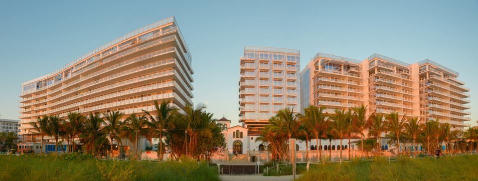 The Surf Club Four Seasons Miami Beach