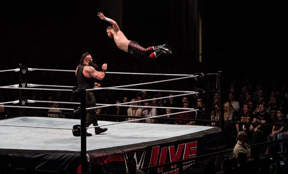 WWE Live 2017: Braun Strowman vs. Sami Zayn