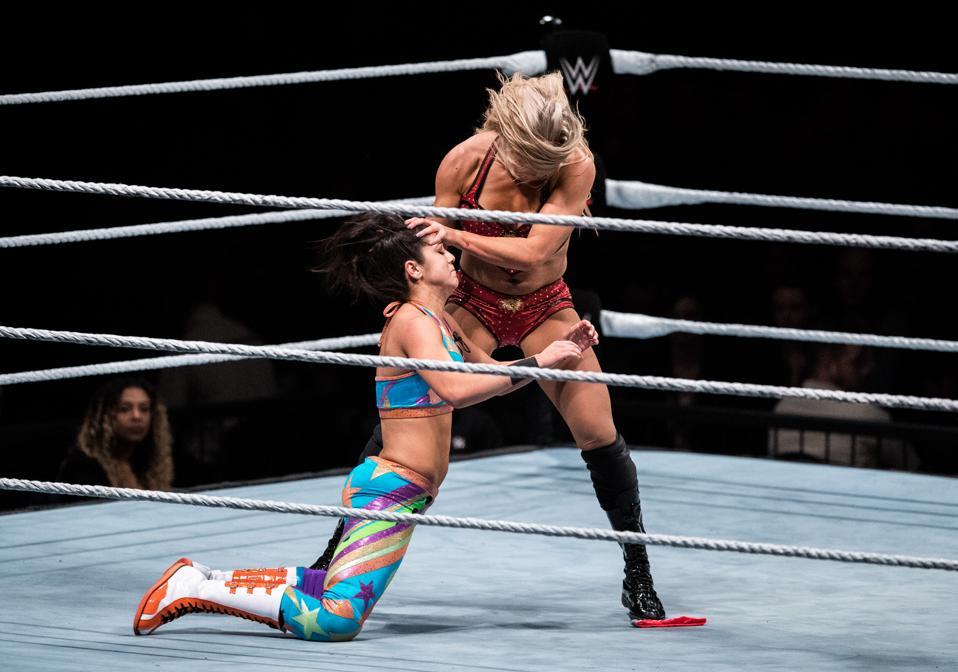 WWE Live 2017: Charlotte Flair vs. Bayley