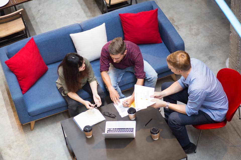Change Management Methodology And Strategic Communication: An Essential Partnership