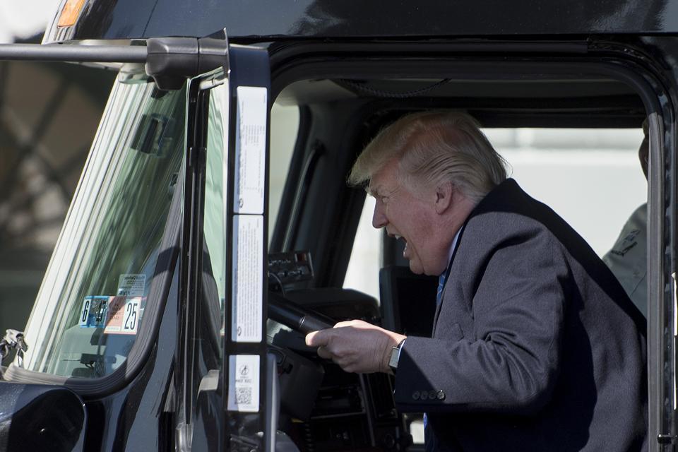 POLITICA-trump-TRUCKERS Topshot-US-