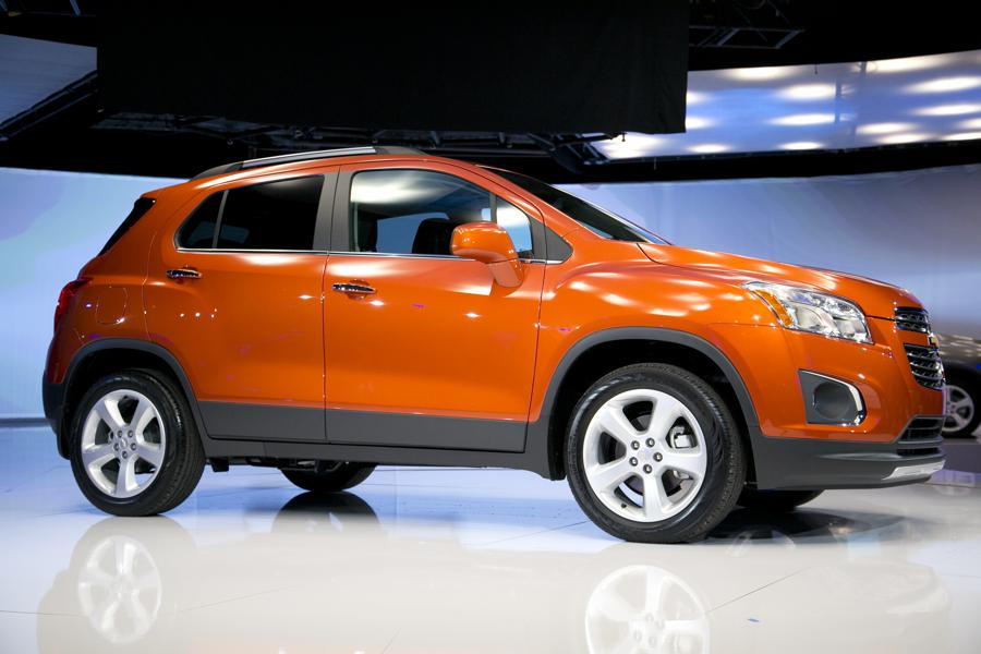 crossover suv chevy trax in photos 18 red hot lease deals under 200 month forbes. Black Bedroom Furniture Sets. Home Design Ideas