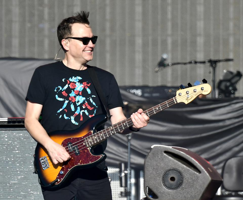 Mark Mitsubishi Phoenix >> Blink-182's Mark Hoppus Sings Out For Animal Rights