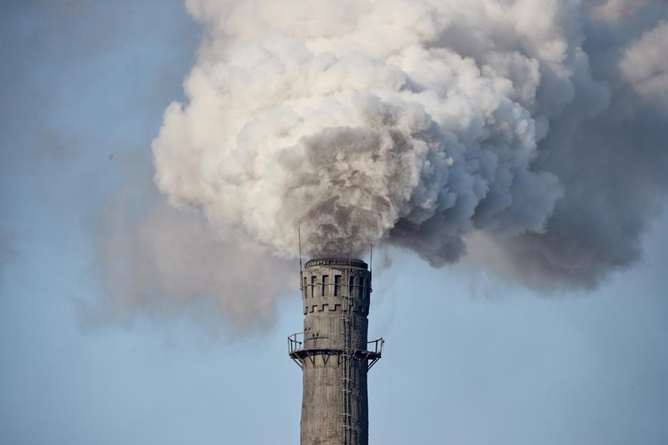 Heavy air pollution from Chinese factory smokestack