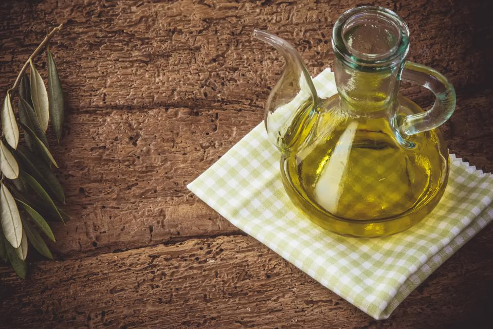 This Common Oil May Improve Your Memory And Reduce Your Risk Of Alzheimer's