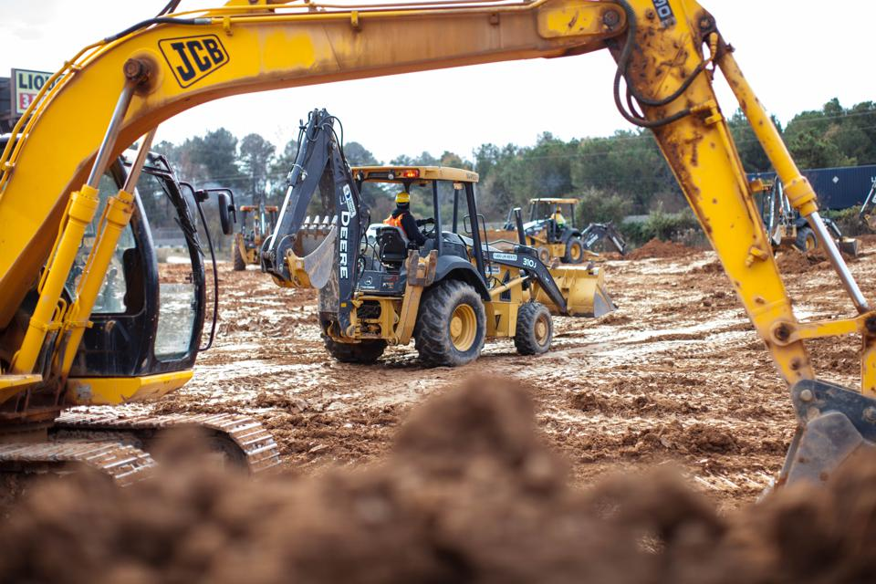 EquipmentShare is raising funding for its construction equipment marketplace technology.