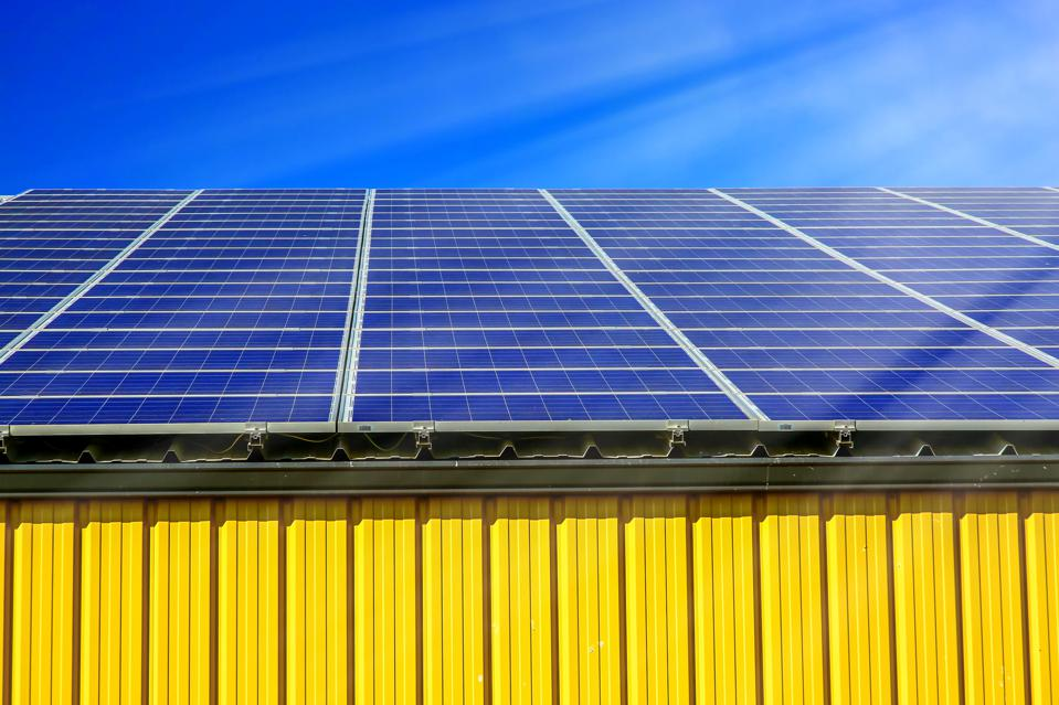 Solar panel array on commercial warehouse